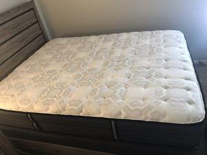 Grey bedroom set queen bed for Sale in Oklahoma City, OK