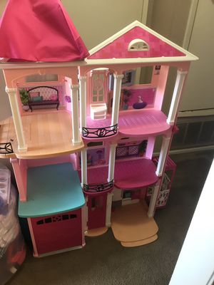 BARBIE'S, Toys, Amazing Condition,Kid, for Sale in Brea, CA