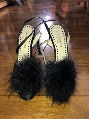 Yves Saint Laurent pumps with fur. Size: 8 Color: Black for Sale in Great Neck, NY