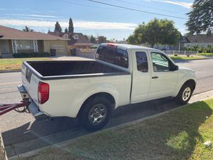 2008 Nissan frontier truck 4 Cylinder for Sale in Riverside, CA