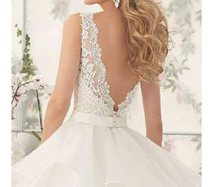 Custom made wedding dress size 20 for Sale in Graham, WA