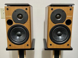 Onkyo D-062AX Bookshelf Speakers for Sale in San Diego, CA
