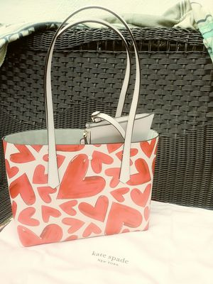 KATE SPADE MOLLY EVER FALLEN HEART TOTE for Sale in Citrus Heights, CA