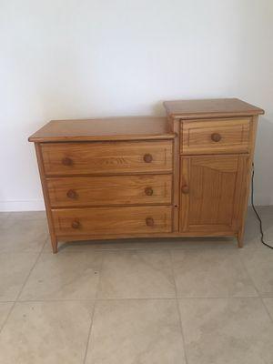 Dresser for Sale in Homestead, FL