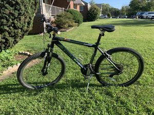 Mountain bike trek size 18 inches or 46cm for Sale in Wheaton, MD