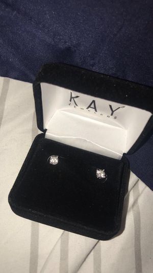 Diamond earrings for Sale in Cleveland, OH