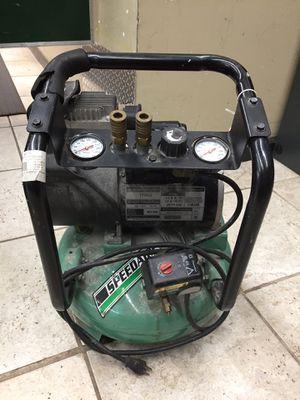 Speedaire 4 gallon air compressor for Sale in Rockville, MD