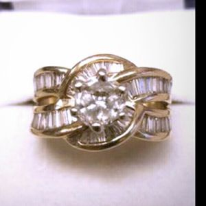 14kt diamond wedding ring size 5 can be resized for Sale in Aurora, CO