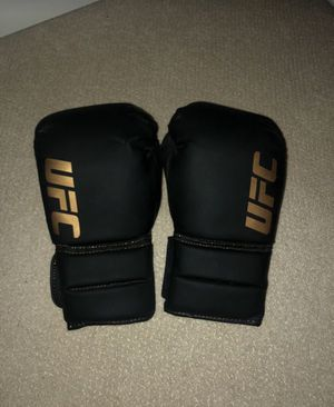 UFC Boxing & MMA Gloves (w/ Sparring Pad Gloves) for Sale in Issaquah, WA