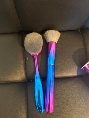 Creme makeup brushes for Sale in Hayward, CA