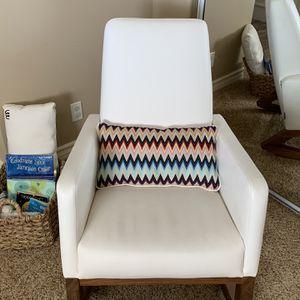 Monte Joya Rocker - 2 lumbar pillows included for Sale in La Crescenta-Montrose, CA