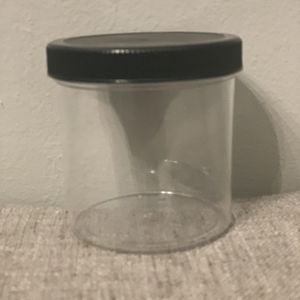 6 Oz Clear Round Wid-mouth Plastic Jars. for Sale in Saint Paul, MN