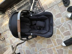 Avna car seat for Sale in Miami Gardens, FL