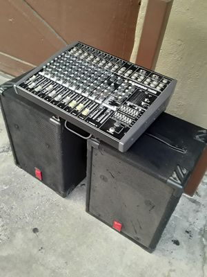 SAMSON TM500 POWER MIXER AND 2 FENDER SPEAKER for Sale in Long Beach, CA