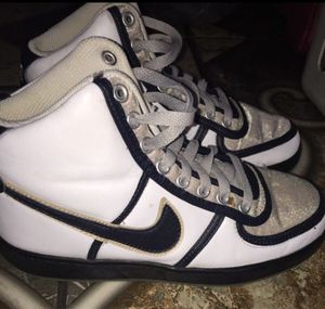 Nike size 6.5 Youth for Sale in South Gate, CA