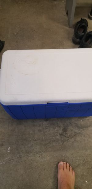 Coleman cooler for Sale in Coraopolis, PA