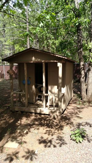 Play house. Kids are grown. Grand kids are grown. Time to get rid of the play house. Very sturdy. Will take a few strong guys to move. for Sale in Pinetop, AZ