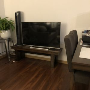 Toshiba 50-inch 1080p LED/Smart TV for Sale in Lynnwood, WA