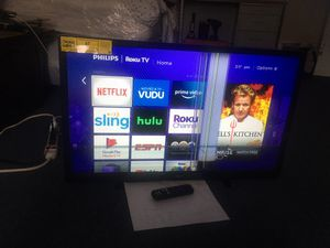 Philipes tv Roku 40 inche with remote has crack but still working for Sale in Cleveland, OH