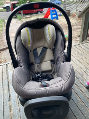 Click connect car seat and base 2 for Sale in Denver, CO