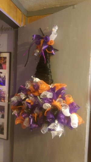 Which hat wreath or decor hallowern for Sale in Oceano, CA