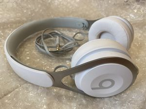 beats ep on ear wired headphones white silver for Sale in New York, NY