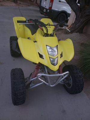 Motorcycle Suzuki 2004 (400) for Sale in Palmdale, CA