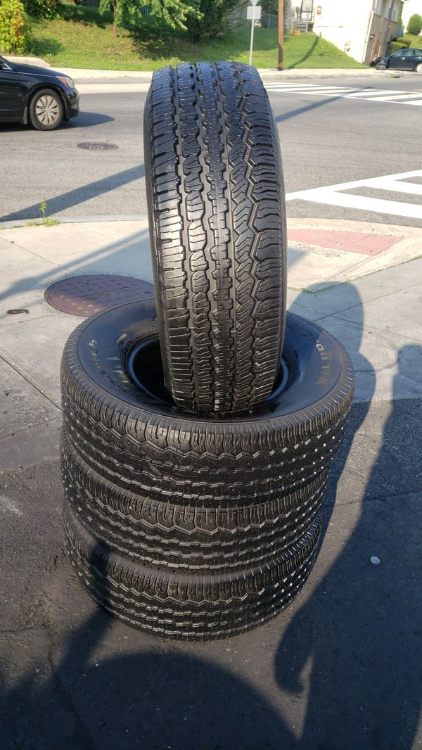 Full set of tires with size 265/70/16