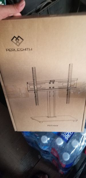 Universal Table Top TV Stand for Sale in Huntington Park, CA