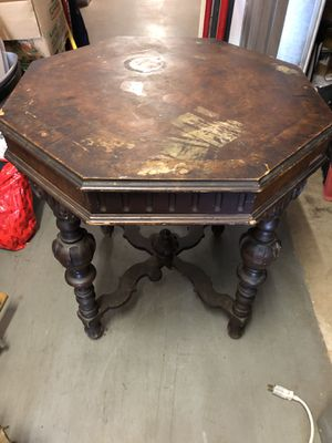 "Antique Walnut table 30""x30""x30"" for Sale in Powder Springs, GA"