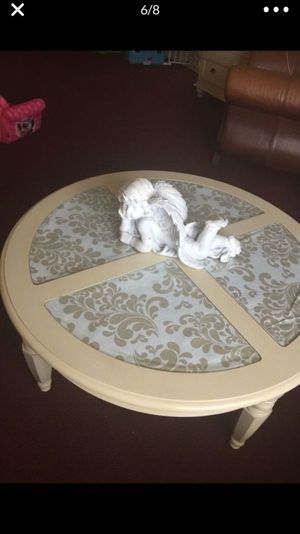 Coffee table for Sale in Royal Palm Beach, FL