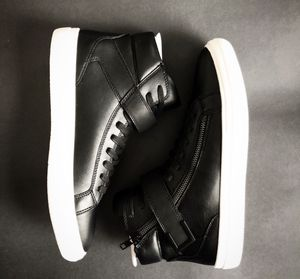 NWT Aldo argent faux leather sneakers sz 8/9.5/13 for Sale in Washington, DC