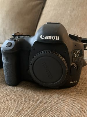 Canon 5D Mark111 Body only for Sale in Knoxville, TN