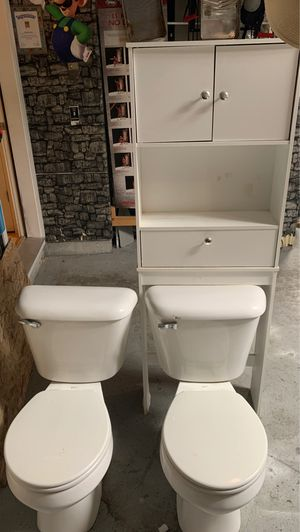 2 toilets & 1 over the toilet cabinet for Sale in Pasco, WA