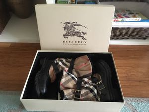 Authentic Burberry winter boots like new condition size 9 for Sale in Fairfax, VA