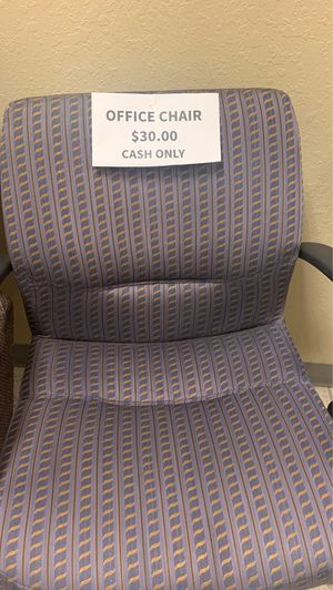 2 office chairs for Sale in Ruskin, FL