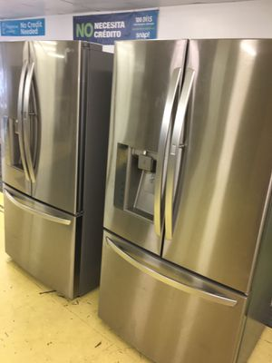 LG Stainless Steel French Door Refrigerator Scraches Dent With Chosecase on the Door No Credit Needed Just $79 The Down payment Cash price $1,800 for Sale in Garland, TX