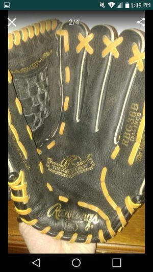 Rawlings Gold Glove for Sale in Beaver Falls, PA