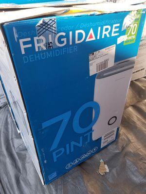 FRIGIDAIRE 70 PINTS A DAY DEHUMIDIFIER HIGH MOISTURE for Sale in Anaheim, CA