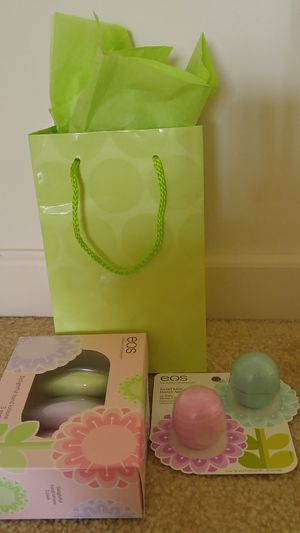 Mother's day gift - Eos 3pack hand lotion and 2 pack lip balm set in a gift bag for Sale in Rockville, MD