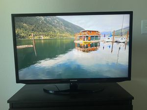 """Samsung 32"""" smart tv in very good condition for Sale in Milpitas, CA"""