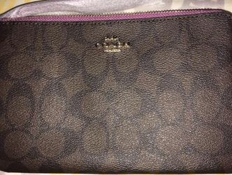 New Authentic Coach Double Zip Wallet for Sale in Malden,  MA