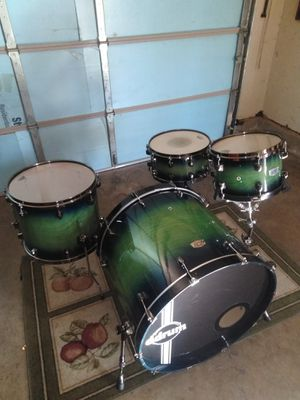 Ddrum AMX domination series 4pc. Maple shells 20x24 kick drum for Sale in Tulsa, OK