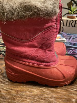 Snow boots size 7/8 toddler girl for Sale in Las Vegas, NV