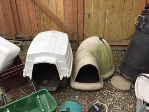 FREE - Dog house - the one on the left - breaks down into 2 stackable parts for Sale in Seattle, WA
