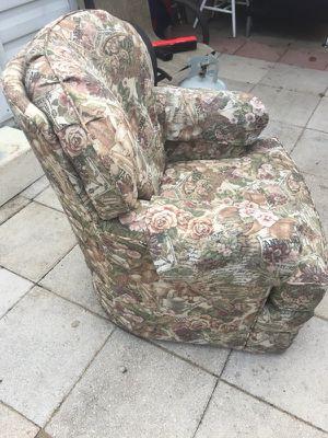 La-z boy chair. for Sale in Frostproof, FL
