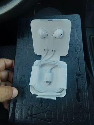 Apple headphones for Sale in Falls Church, VA