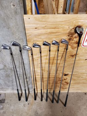 8 GOLF CLUBS (for right hand); 12 BALLS; 1 UMBRELLA - Pls. Read full description w/details - buy whole BUNDLE - firm price for Sale in Alexandria, VA