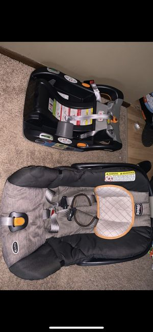 Chicco keyfit 30 car seat with base for Sale in New Brighton, MN