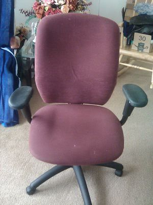 Comfortable Adjustable Office Chair for Sale in Auburn, WA